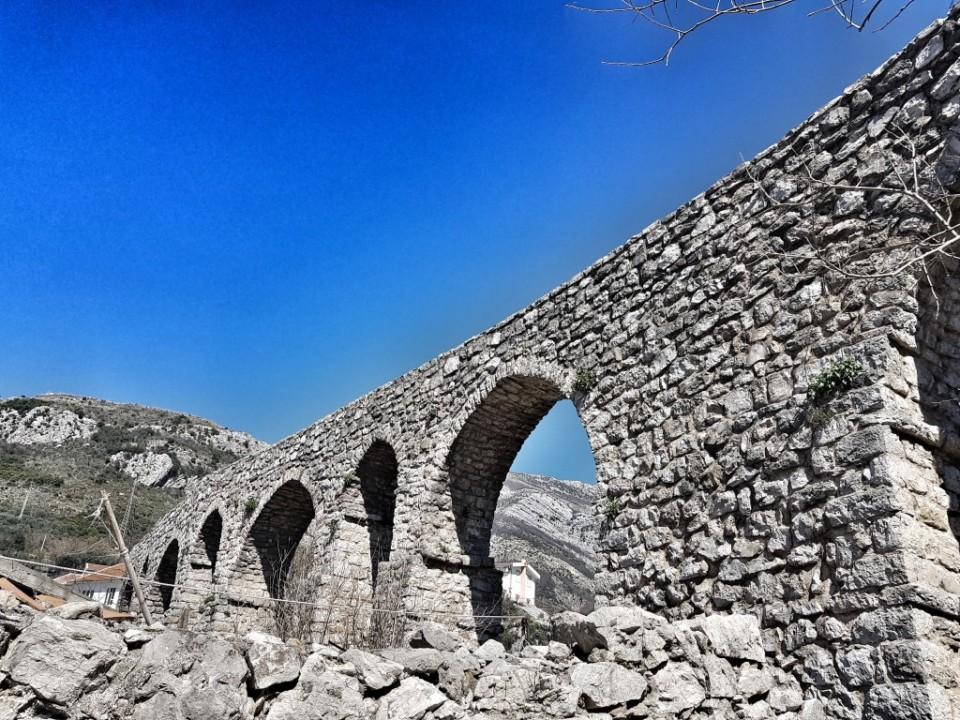 Akvadukt u Starom Baru