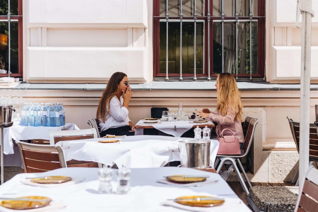 Dvije prijateljice na kafi - Beč
